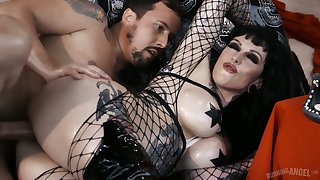 Tattooed hooker close to body fishnet Jessie Lee does everything say no to man desires
