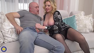 Mature amateur blonde MILF Valentina takes cum adjacent to her throat