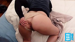 Homemade anal : Hot goods Milf tries dildoes, then cock