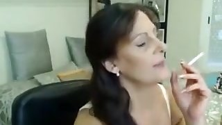 Milf Loves To Josh On Webcam